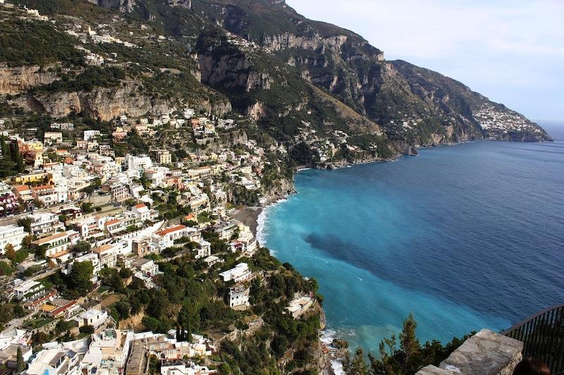 Cosa visitare in Costiera Amalfitana: veduta tipica