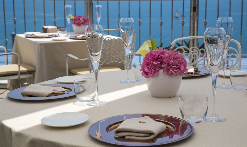 pranzo al mare tavolo
